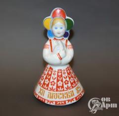 """Скульптура """"Фестивальная девушка в кокошнике. Москва 1985"""""""